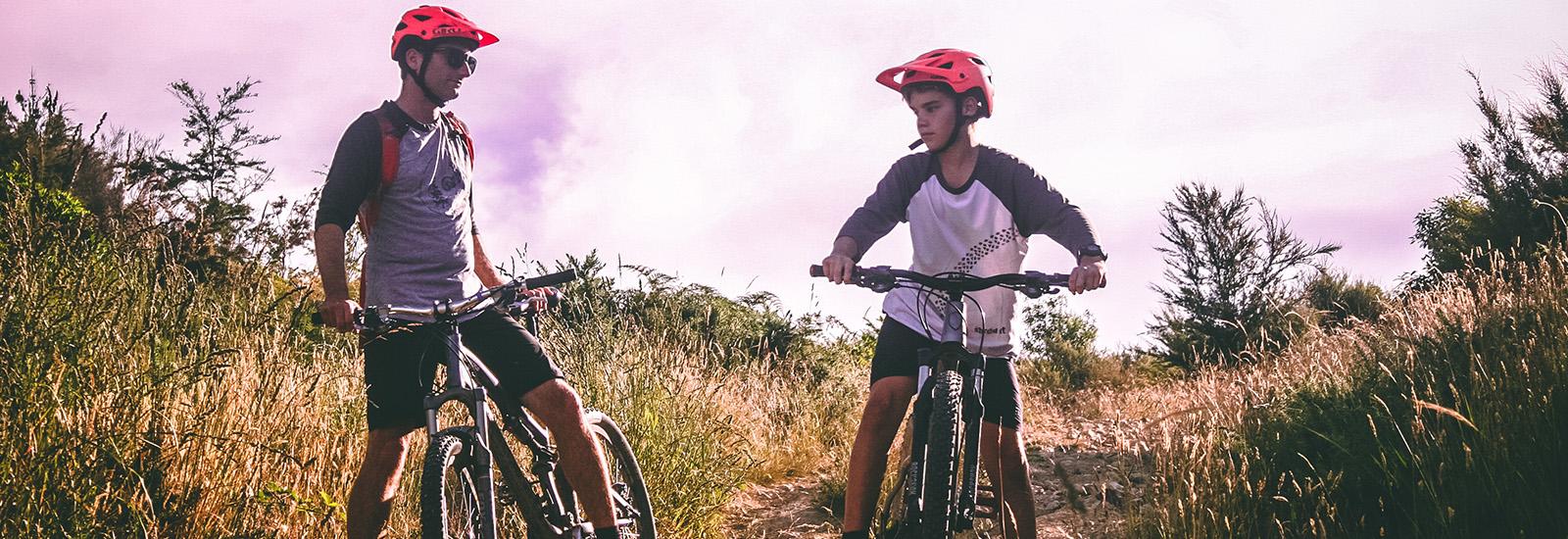 Header_0002_adult-adventure-biker-1010557